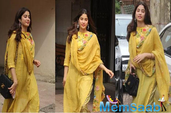 Sridevi and Boney Kapoor's daughter Janhvi Kapoor made her big Bollywood debut with 'Dhadak' opposite Ishaan Khatter. Ever since then, there was no looking back for the actress.
