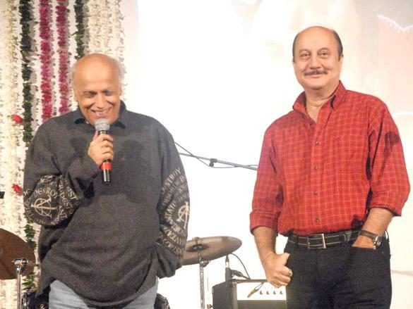Mahesh Bhatt at Anupam Kher's fathers prayer meet