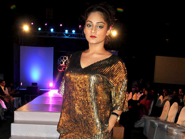 Mahi Vij at Couture for Cause Fashion Show in ITC Maratha