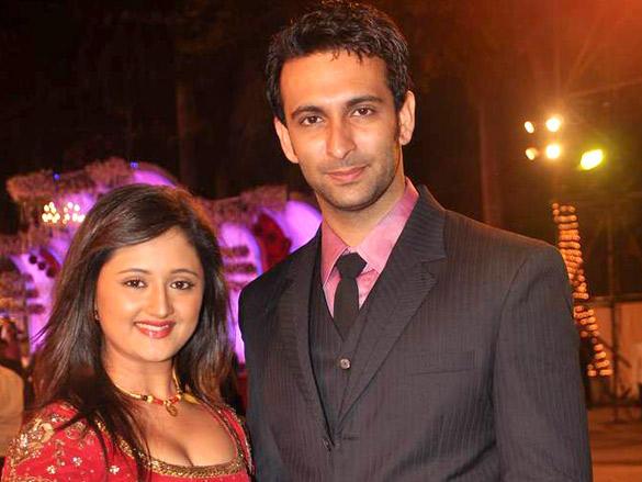 Rashmi Desai with hasband at Wedding Reception