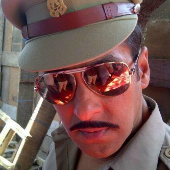 Salman Khan Hot Pose on The Sets Of Dabangg 2