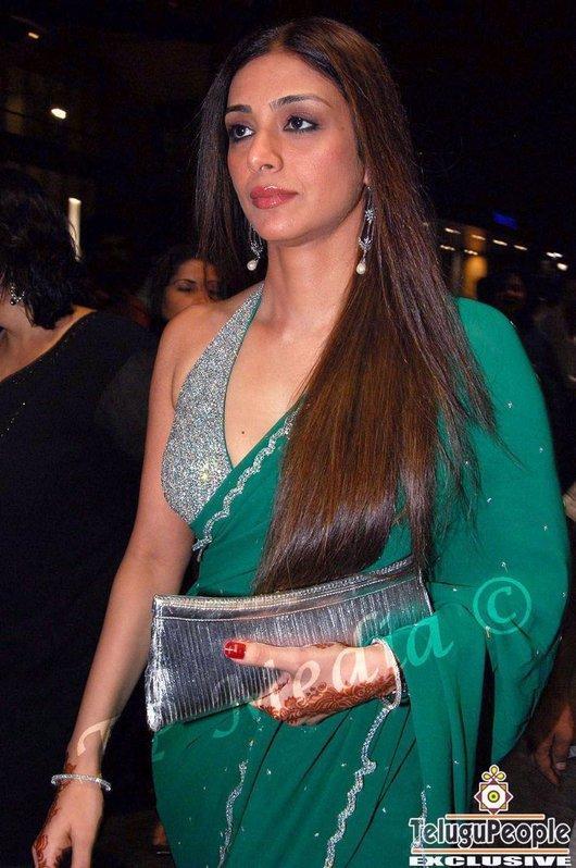 Tabu Khan Green Saree Glam Still