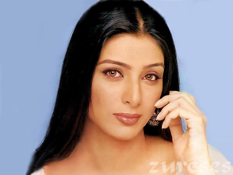 Tabu Khan Sexy Eyes and Face Wallpaper