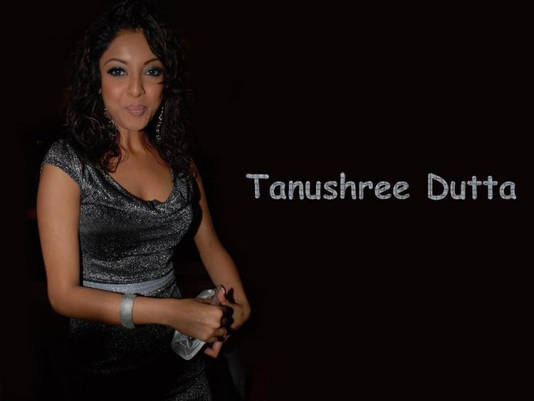 Tanushree Dutta Cute Close Pic