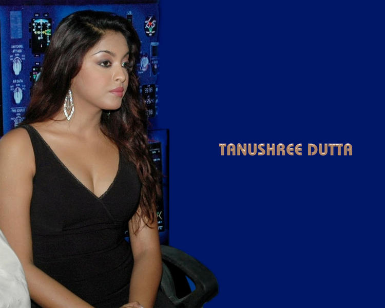 Tanushree Dutta Glamour Wallpaper