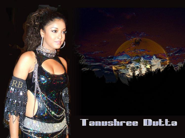 Tollywood Glam Babe Tanushree Dutta Wallpaper