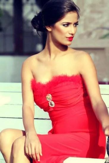 Poonam Pandey Red Dress