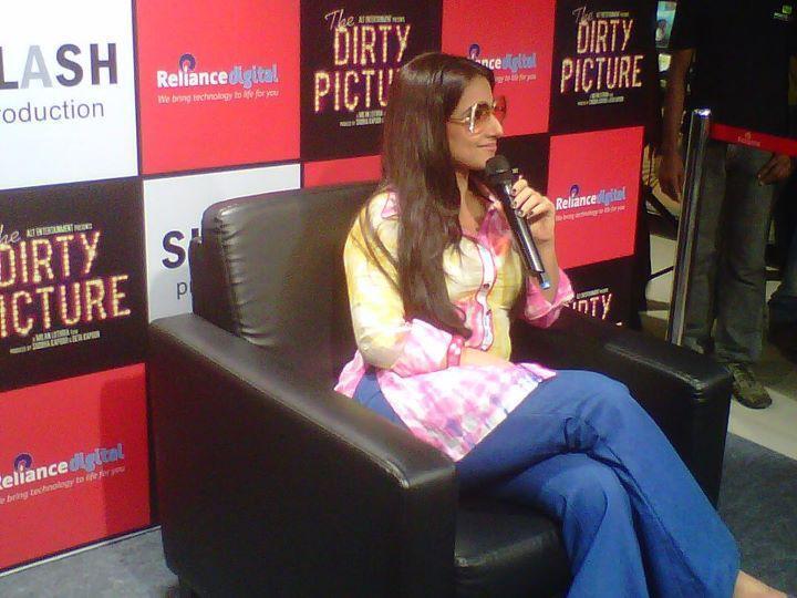 Vidya Balan Answering Questions