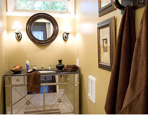 bathroom with mirrored vanity