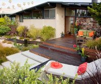 Make a Low-Maintenance Backyard