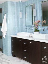 Baths with Stylish Color Combinations