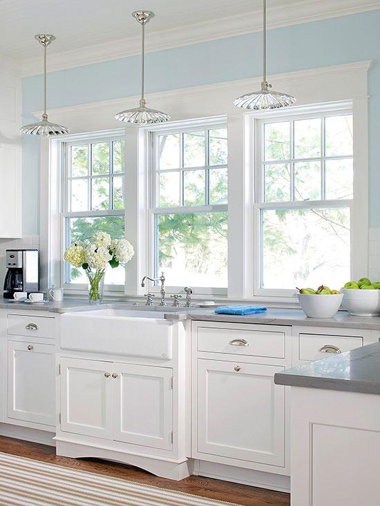 15 Amazing White Modern Farmhouse Kitchens