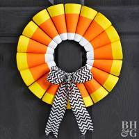 Halloween Door Decorations: Great Wreaths and Entry Accents