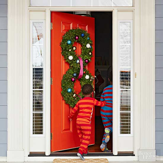 Pretty Christmas Door Decorations