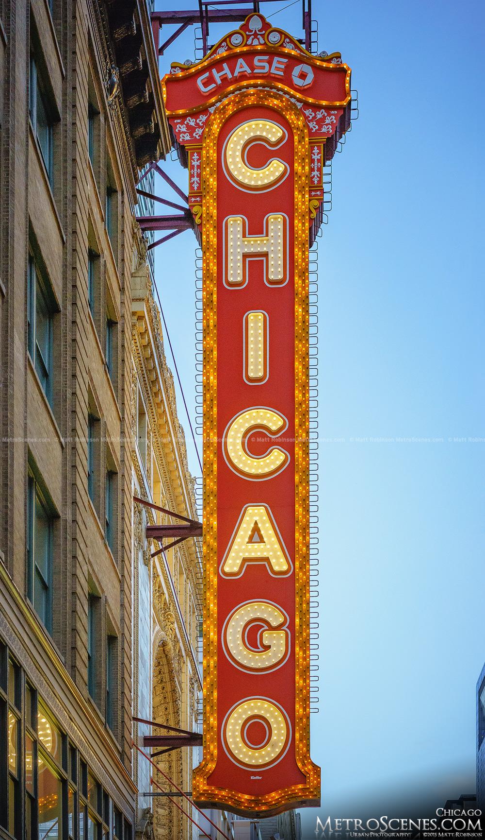 Chicago Theater Sign Metroscenes Com Chicago Illinios