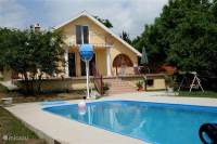 Ferienhaus Solar-Haus mit Schwimmbad in Sukor, Velencer ...