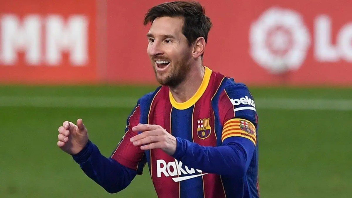 Lionel Messi becomes a free agent as Barcelona contract expires