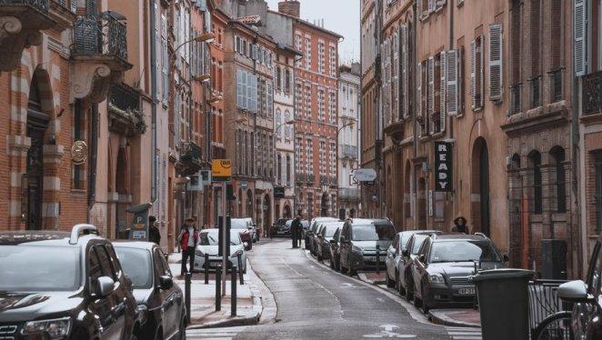 Toulouse : un artisan découvre un cambrioleur endormi dans un lit alors qu'il faisait des travaux
