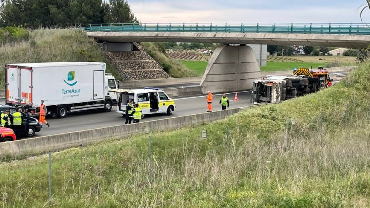 Clermont-l'Hérault : un camion poubelle se renverse sur l'A75, pronostic vital engagé pour l'un des blessés