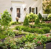 Garden Tour: Front-Yard Flavor   Midwest Living