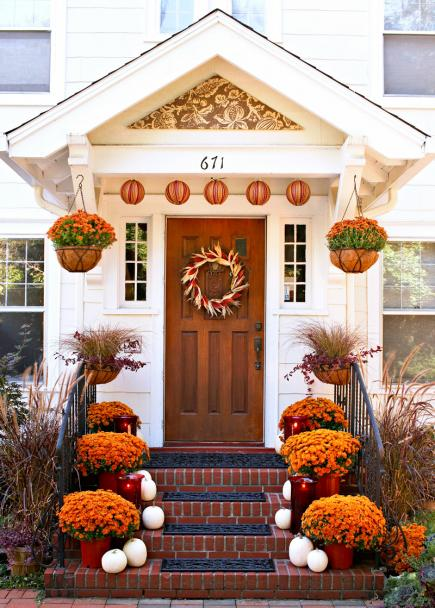 Outdoor Fall Decorating With Mums Midwest Living