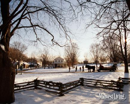 Free Christmas Falling Snow Wallpaper Decorate Your Desktop With Our Winter Photos Midwest Living