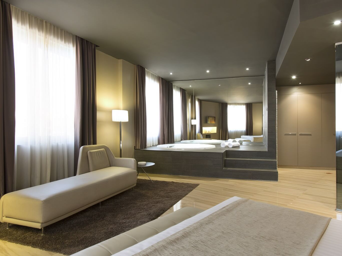 Jacuzzi Suite  Hotel Ciutat de Tarragona Tarragona