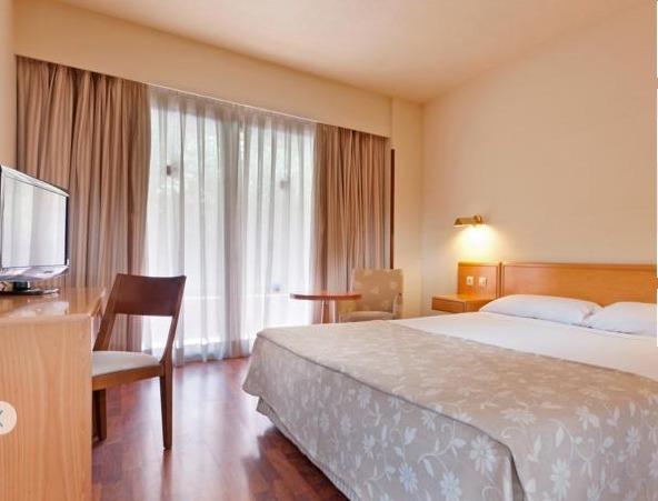 Habitaciones  Senator Barajas Hotel 4  Aeropuerto de Madrid