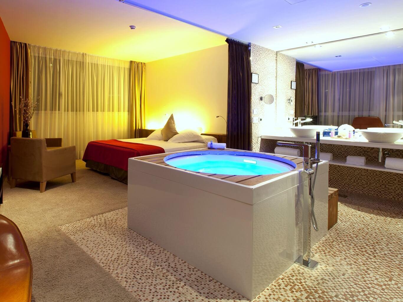 Jacuzzi Suite  Hotel Diagonal Zero Barcelona