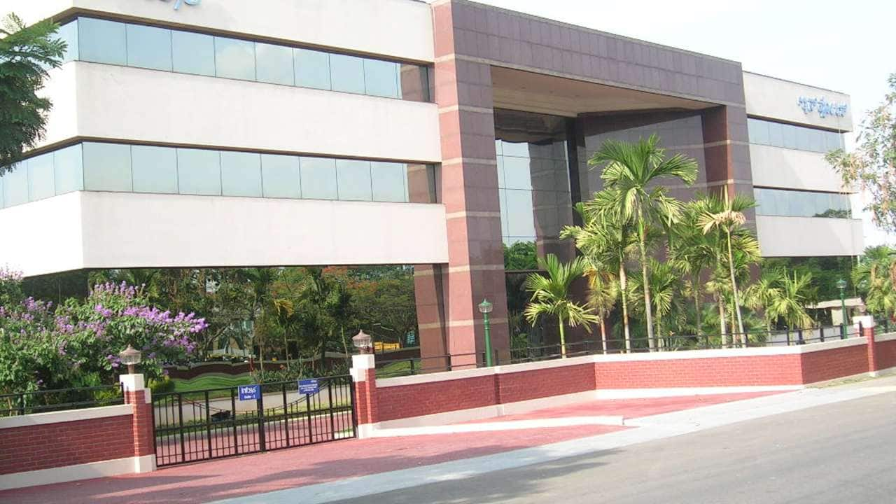 Infosys: The company's co-founder S D Shibulal on May 27 picked shares worth Rs 100 crore of the firm through an open market transaction. Shibulal purchased more than 7.22 lakh scrips at an average price of Rs 1,384 per share, BSE block deal data showed.