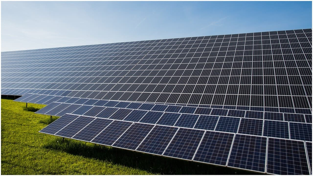 Sterling & Wilson Solar   BNP Paribas Arbitrage acquired 11,87,177 equity shares in Sterling & Wilson at Rs 240.42 per share on the NSE, the bulk deals data showed.