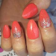 sparkly nails glitter-ally