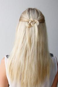 Easy Half-Up, Half-Down Hairstyles to Rock for Any ...