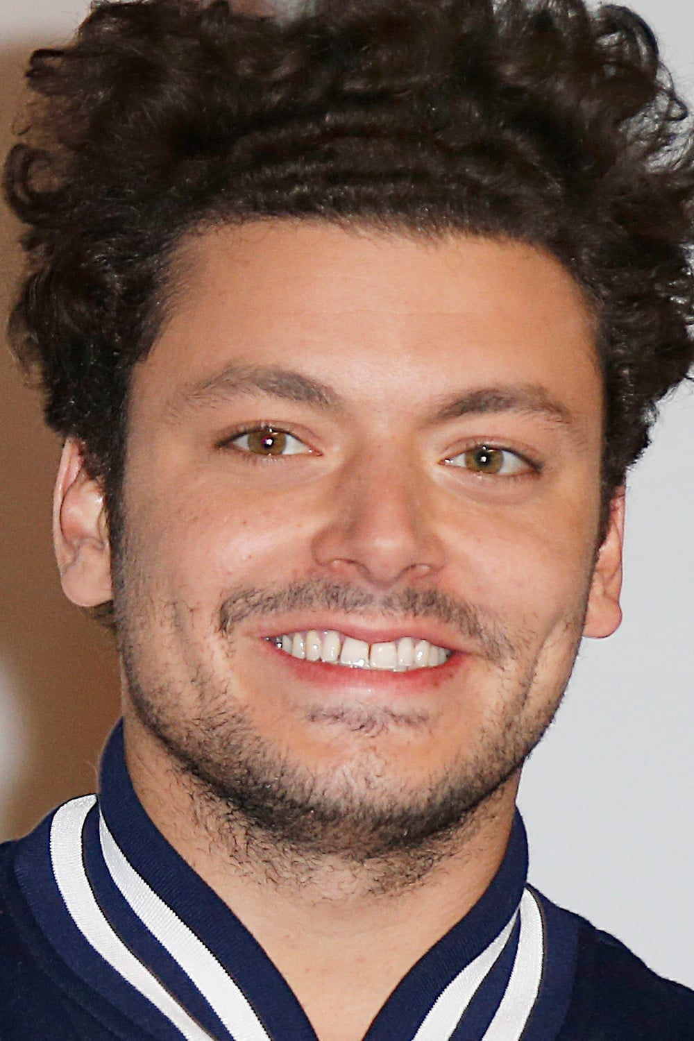 Kev Adams Films Et Programmes Tv : adams, films, programmes, Adventures, Aladdin, (2015), Movie., Where, Watch, Streaming, Online