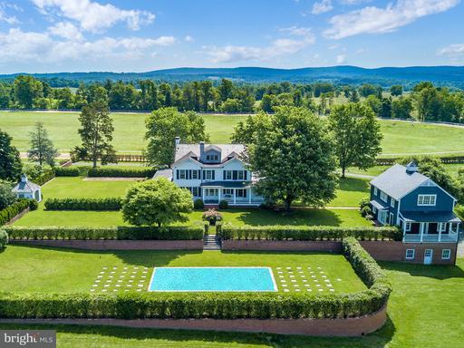 Property for sale at 2120 Burrland Ln, The Plains,  VA 20198