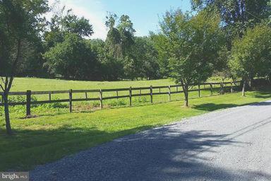 Property for sale at 321 Walker Rd, Great Falls,  VA 22066