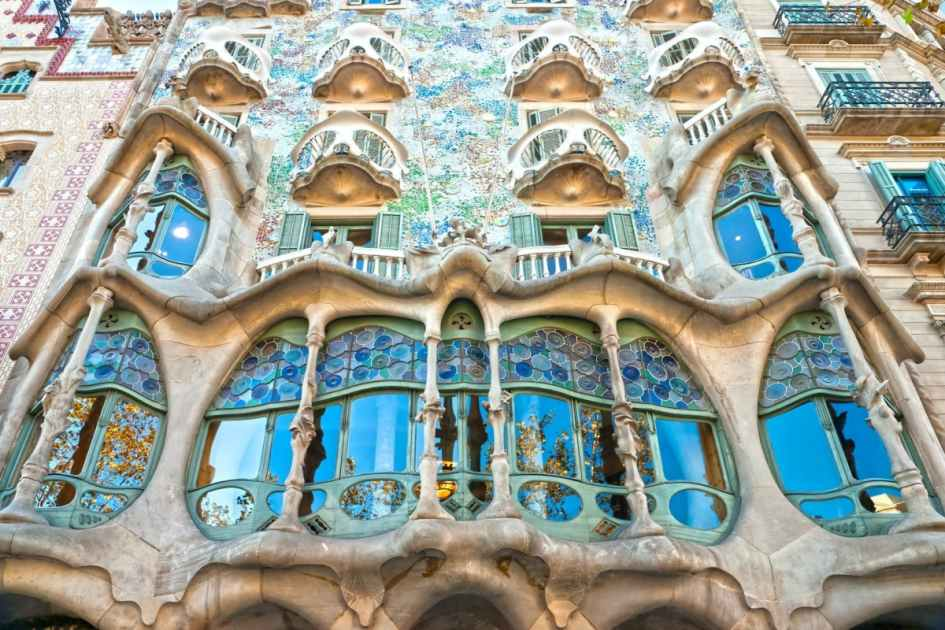 Casa Batll tickets and video guide with optional skiptheline entrance  musement