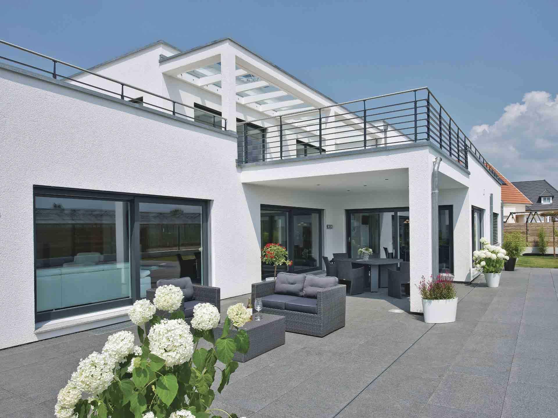 Luxusvilla im BauhausStil  WeberHaus  Musterhausnet
