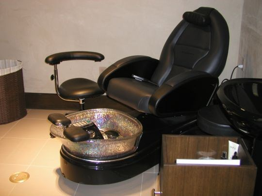 QA Details on Pipeless Pedicure Chairs   NAILS Magazine