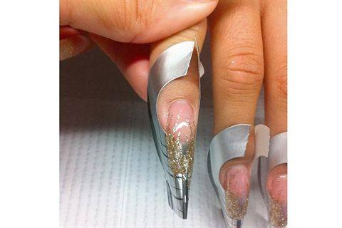 Gina Silvestro Educator For Akzéntz Offers This Advice On How To Get Clear And Crisp Lines Gel Nail Art I Ve Been Doing A Few Months Now
