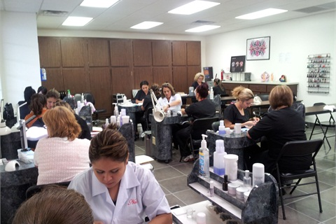 San Antonio Sr Nail Instructor Gracie King S Students Pare In A Timed Test To Narrow Down Their Cur Work Time Closer That Of Reasonable