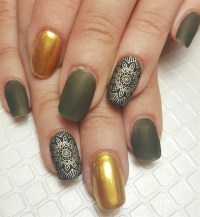 Day 60: Green & Gold Matte Nail Art