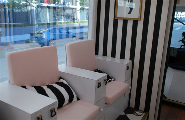 New Mobile Nail Salon Opens In Downtown Los Angeles