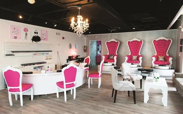Dallas Beauty Lounge Curly Has 1 000 Square Feet Of E But Sauers Plans To Expand That By An Additional 700 When The Next Door