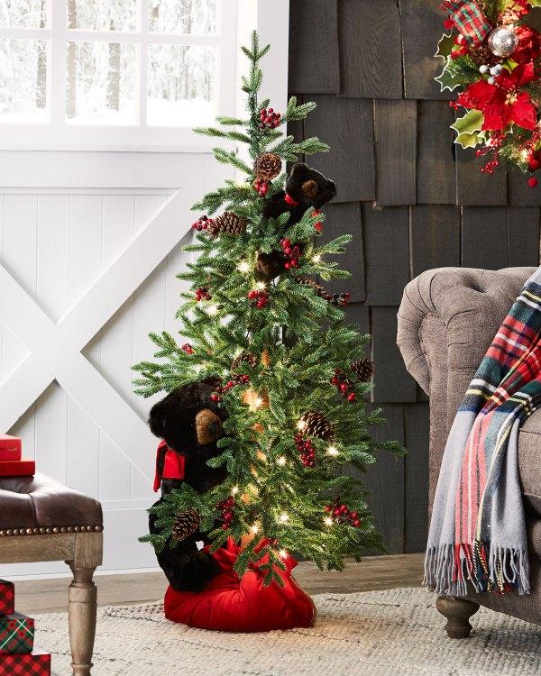 Ditz Design Hen House Winnipeg Christmas Tree With