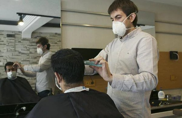 Malls, barber shops, beauty salons reopen across Turkey after 7 weeks of lockdown