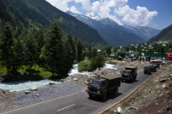 The Indian Army has increased deployment of troops and weaponry including tanks and artillery guns in various sensitive sectors along the LAC in the last few weeks. (Image for representation)
