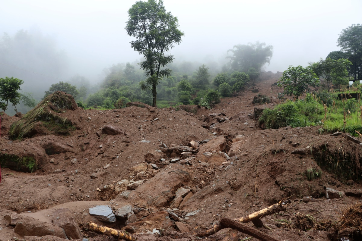 Search Resumes in Villages Hit by Nepal Landslide, 11 Dead