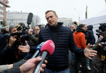 Kremlin Open To Clearing Up What Happened To Navalny – Spokesman