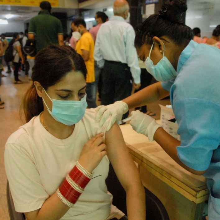 india administers record 86.29 lakh vaccines, highest daily coverage in nearly two months